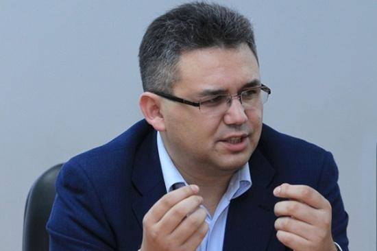 Областная библиотека приглашает на открытую встречу с политологом Аббасом Галлямовым