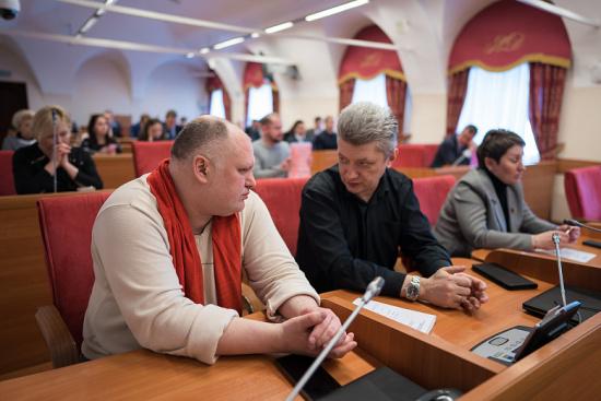 В Ярославской областной Думе прошли первые депутатские слушания