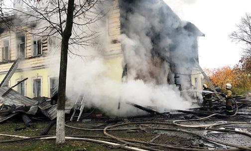 За гибель семи человек при пожаре в Ростове ответит поджигатель