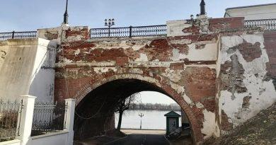 В Ярославле разрушается исторический памятник федерального значения