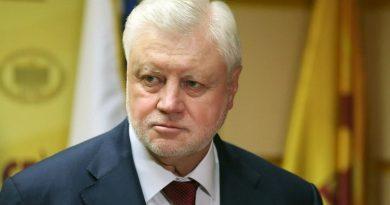 «Не дам колоть детей непроверенной вакциной»: Сергей Миронов ответил Минздраву